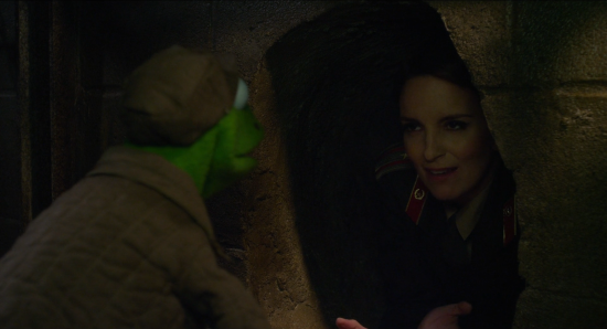 Muppets Most Wanted: New Clip Shows Kermit Can't Escape From Tina Fey