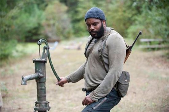 http://media.comicbook.com/wp-content/uploads/2014/03/the-walking-dead-the-grove-tyreese.jpg