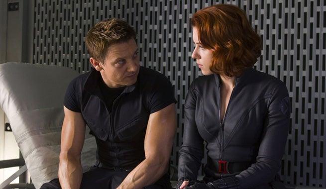 Jeremy Renner Comments On Hawkeye Vs. Black Widow In Civil War