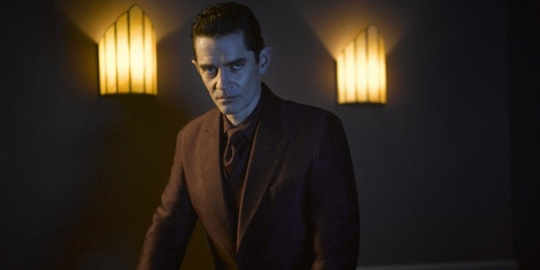 James-Frain-as-Theo-Galavan-in-Gotham-Season-2