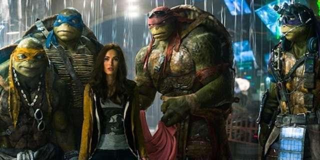 Megan-Fox-and-the-Ninja-Turtles-in-TMNT-2014