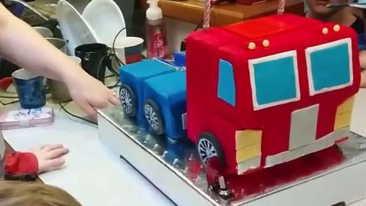 Magnificent Transformers Birthday Cake Actually Transforms Funny Birthday Cards Online Alyptdamsfinfo