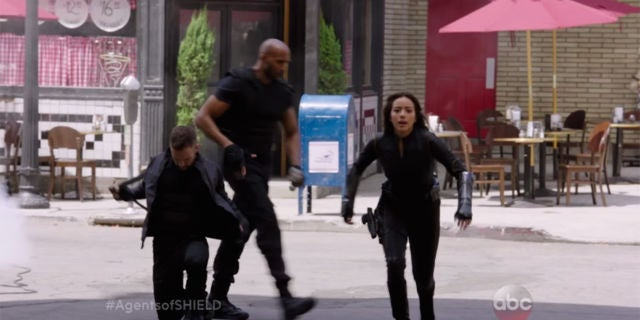 agents-of-shield-3-quake-gauntlets