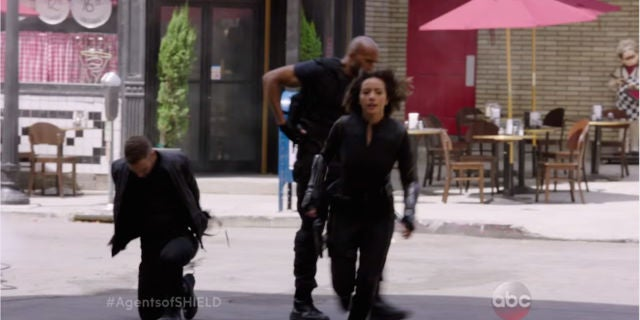 agents-of-shield-3-quake-gauntlets-2