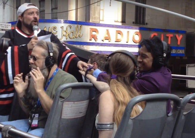 Kevin Smith Presided Over a New York Comic Con Wedding On Top Of A Tour Bus Today