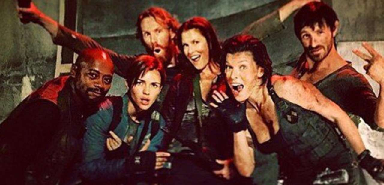 Resident Evil The Final Chapter Set Photos With Milla Jovovich Ruby Rose The Rest Of The Cast