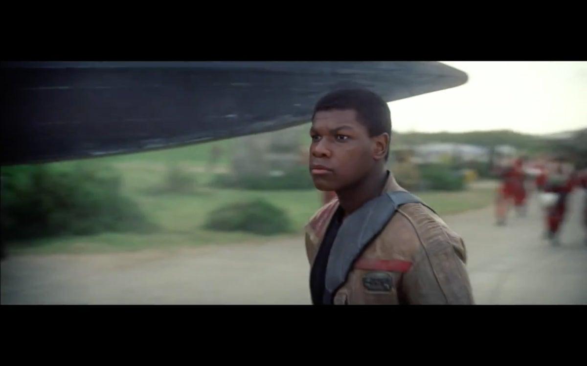 Star-Wars-The-Force-Awakens-Full-Trailer-18.43-PM