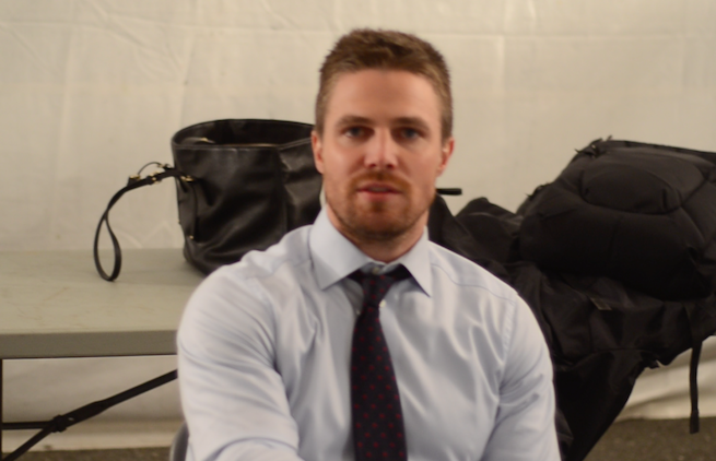 Stephen-Amell-Top