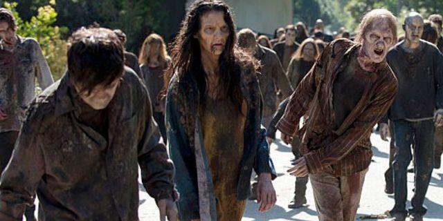 the-walking-dead-midseason-6-finale-walkers