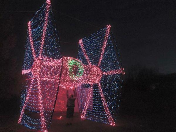 tie-fighter-christmas-lights