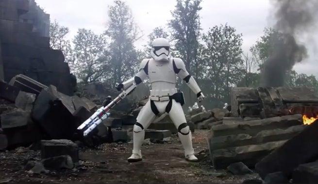 star-wars-tfa-stormtrooper-ready
