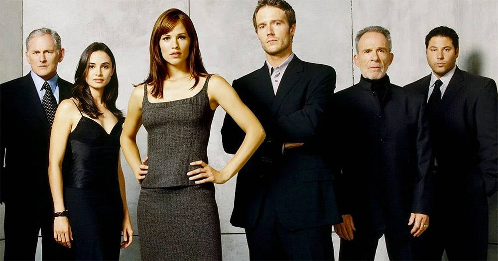 Jennifer Garner Reveals 'Alias' Reboot in the Works