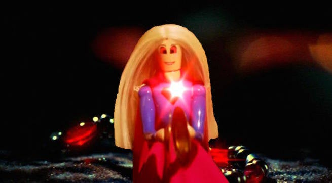 Supergirl-doll-red-kryptonite