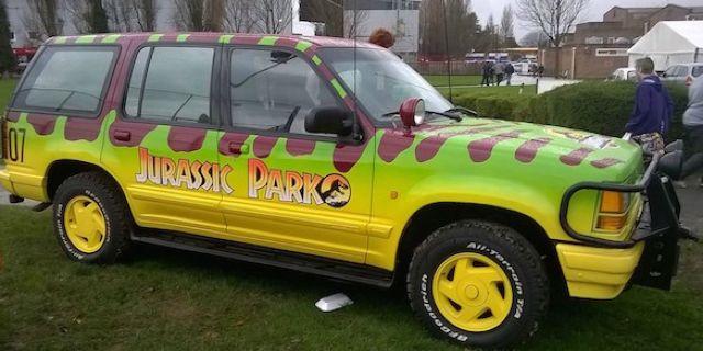 jurassic-park-car