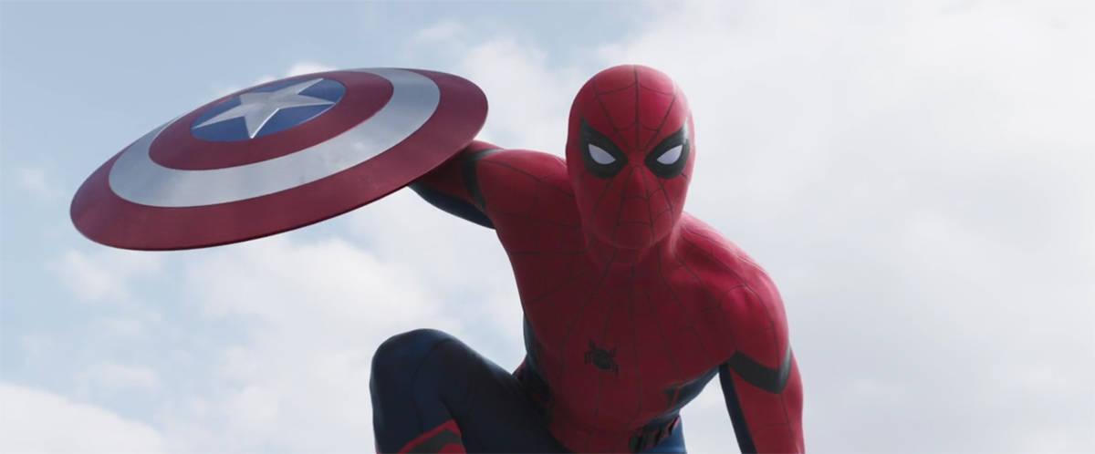 civil-war-spider-man-close-up-shutter-eyes
