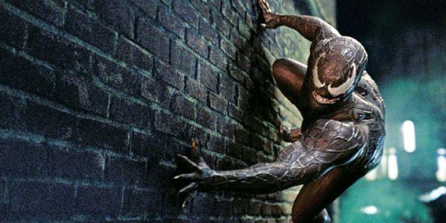 sony reviving spiderman spinoff venom movie