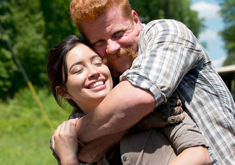 the-walking-dead-episode-601-bts-rosita-serratos-abraham-cudlitz-935