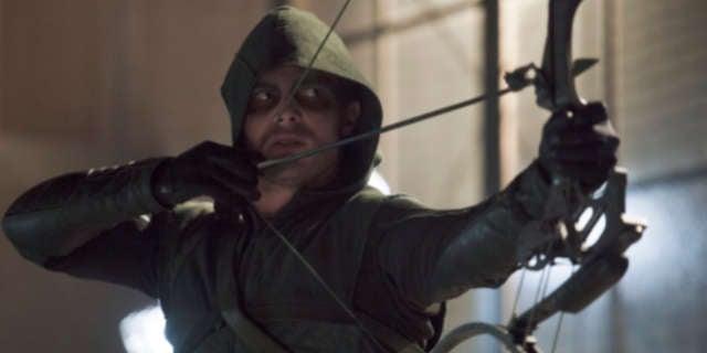 Stephen-Amell-in-Arrow-Season-2-Episode-7