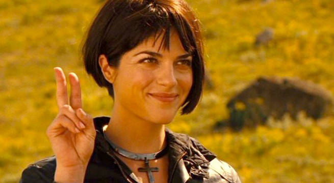 Selma Blair Apologizes For Plane Incident Following Outburst