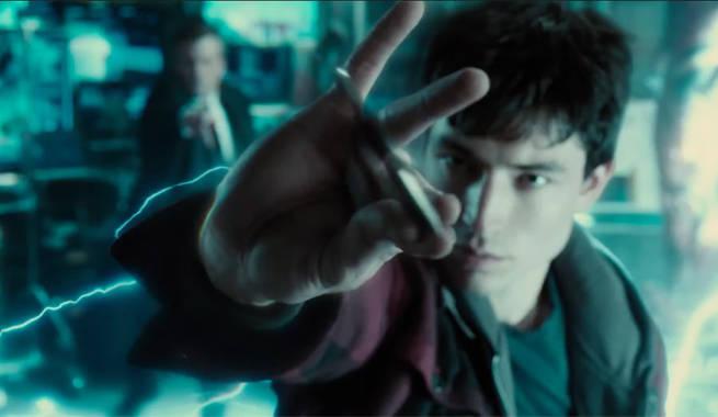 barry-allen-batarang-catch-justice-league