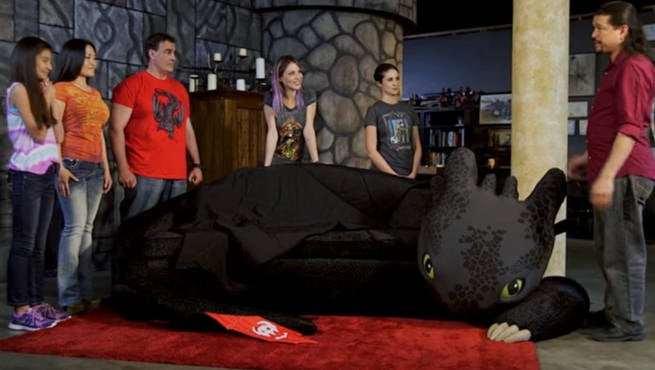How To Train Your Dragon Superfan Builds Toothless Couch