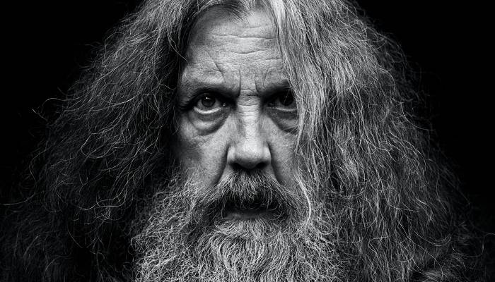 Alan Moore Reituring From Comic Books