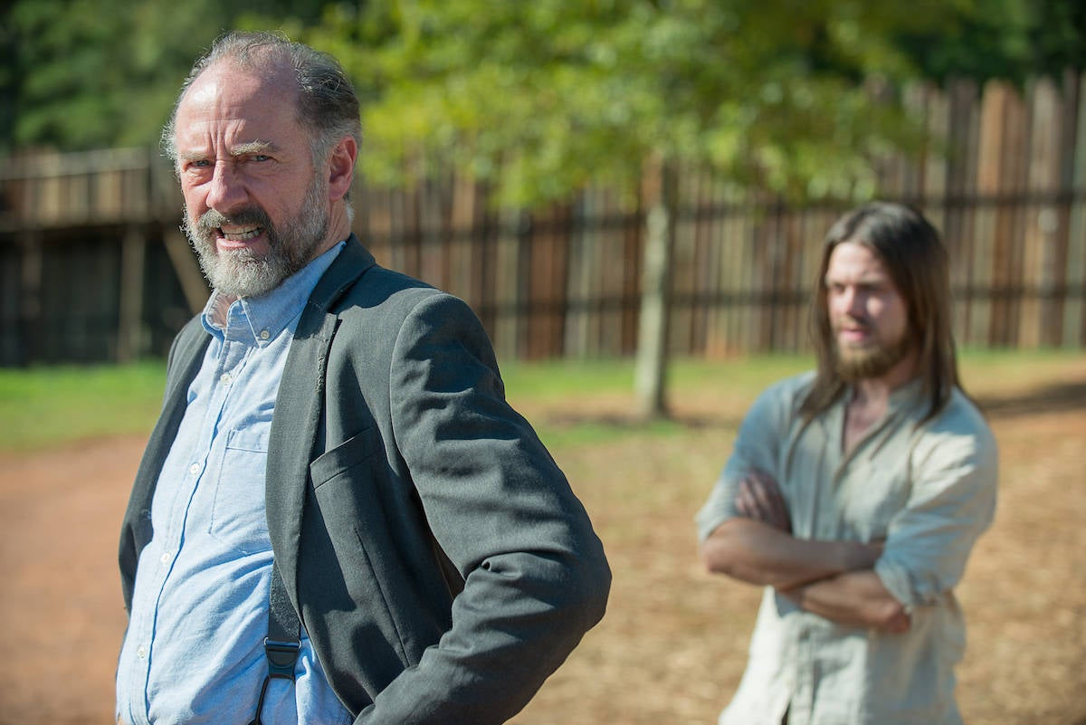 Gregory-and-Jesus-in-The-Walking-Dead-Season-6-Episode-11