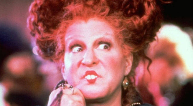 Bette Midler Dresses Up As Hocus Pocus Character, Pleases The World