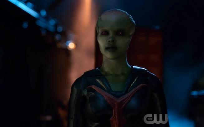 Miss-Martian-Supergirl-002