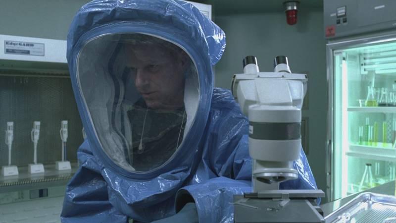 Walking Dead Doctor Jenner (Noah Emmerich)