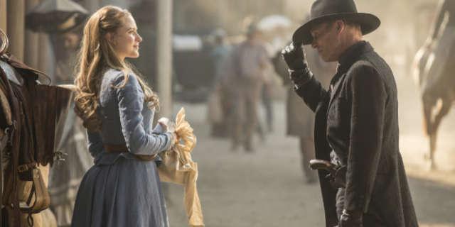 Westworld Premeire Controversy Dolores attacked Man in Black