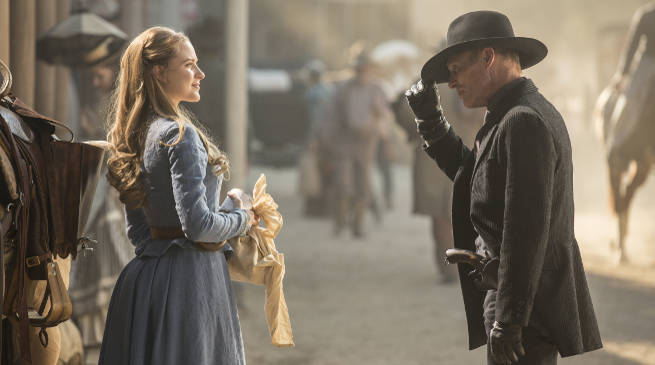 Westworld Premeire Controversy Dolores attacked Man in Black