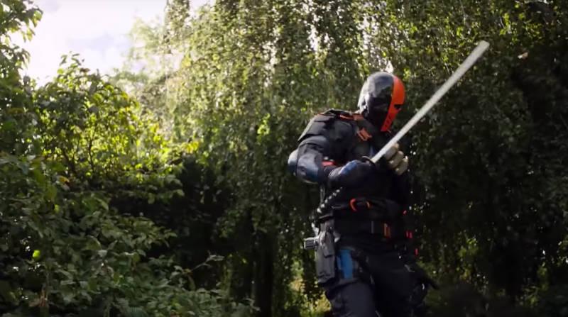 Arrow Invasion Crossover - Deathstroke