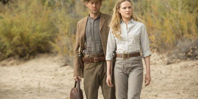 Jimmi Simpson as William, Evan Rachel Wood as Dolores - Credit John P J