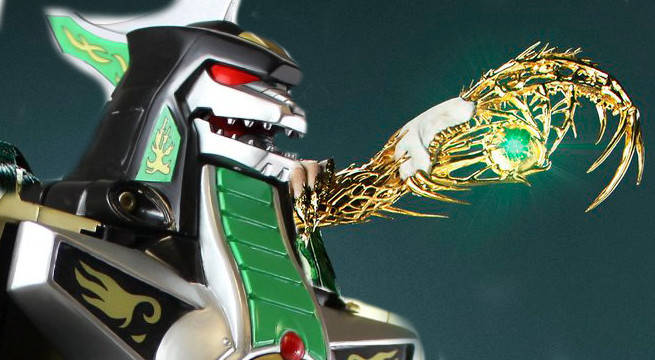 Does Elizabeth Banks' Rita Repulsa Have A Power Coin In Her Staff in Power Rangers?