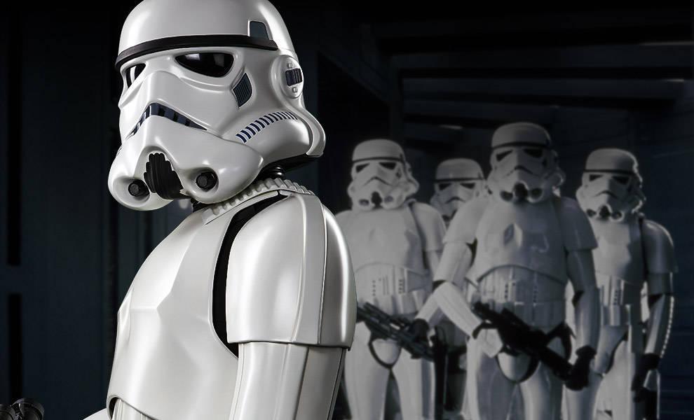 star-wars-stormtrooper-life-size-figure-header