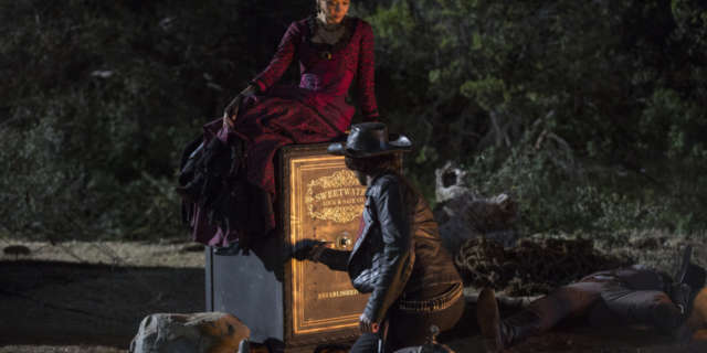 Thandie Newton as Maeve and Rodrigo Santoro as Hector- credit John P Johnson HBO