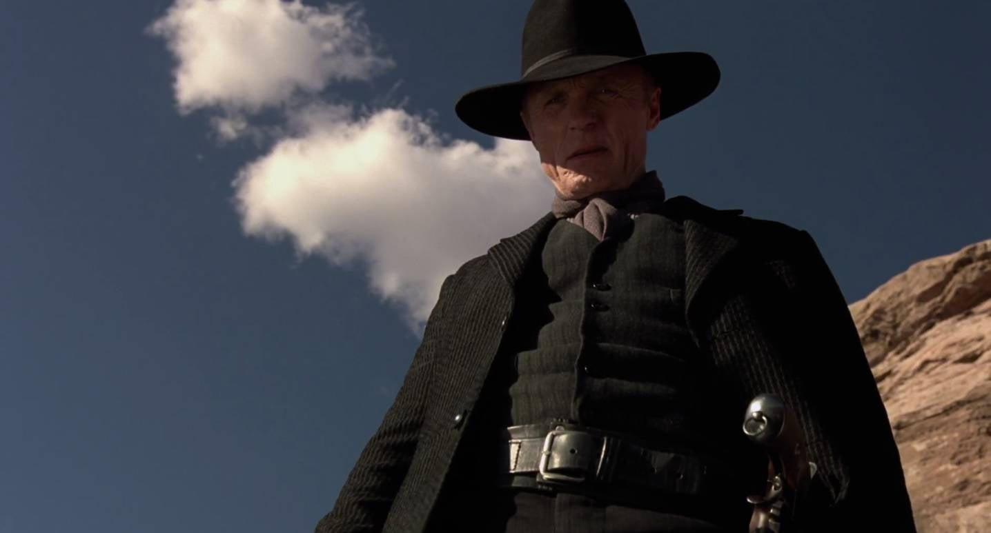 westworld-premiere-hbo-evan-rachel-wood-sheriff-man-in-black