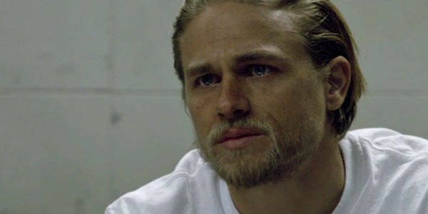 charlie-hunnam-sons-of-anarchy-suits-of-woe-600x300-600x300