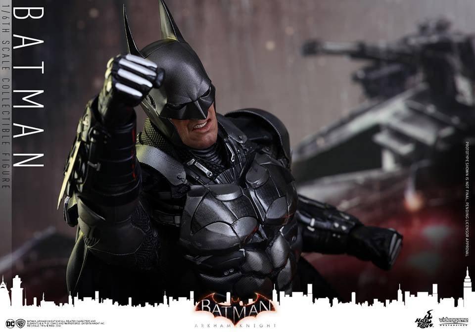 Hot-Toys-Batman-Arkham-Knight-11
