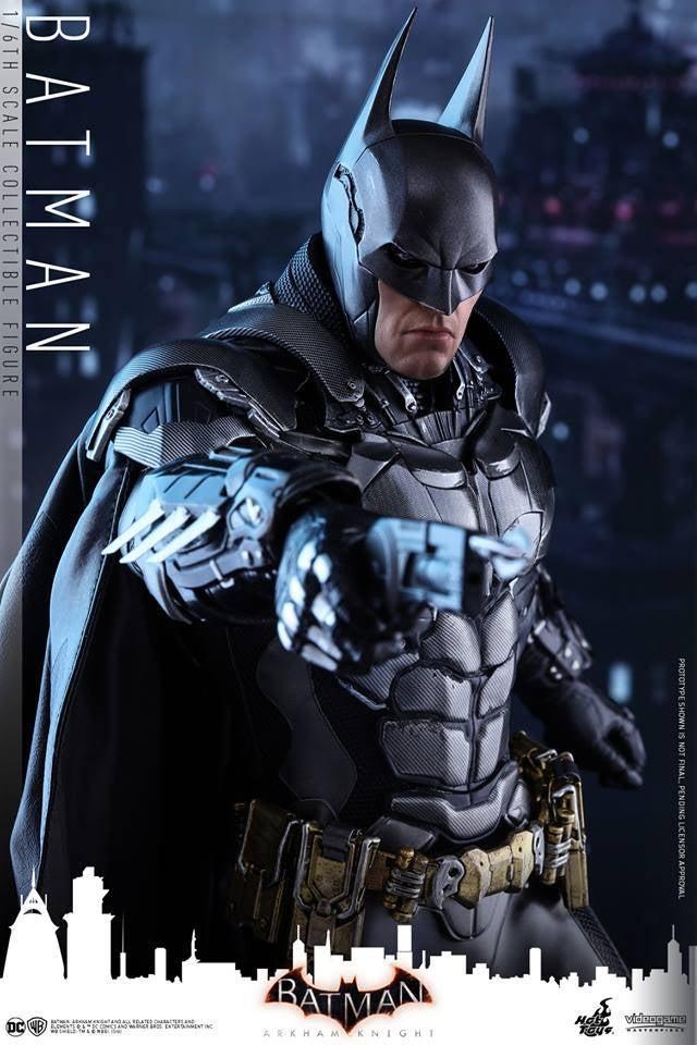 Hot-Toys-Batman-Arkham-Knight-16