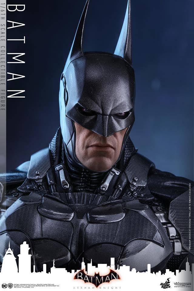 Hot-Toys-Batman-Arkham-Knight-19