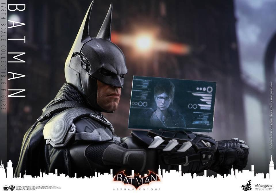 Hot-Toys-Batman-Arkham-Knight-21