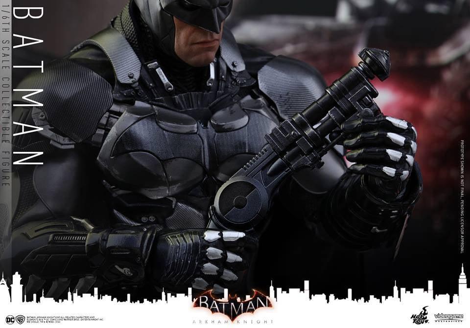 Hot-Toys-Batman-Arkham-Knight-22
