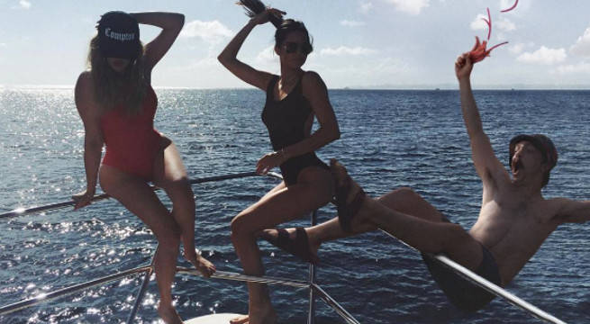 Kendall Jenner and Kirby photoshop falling off boat