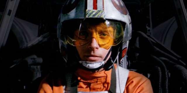 star-wars-7-easter-egg-luke-skywalker-x-wing-helmet