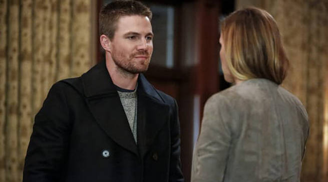 Stephen Amell and Katie Cassiday in Arrow Episode 100