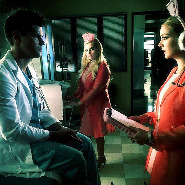 taylor lautner scream queens 2016