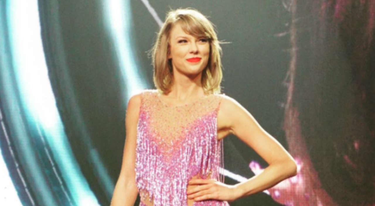 The Punisher Star John Travolta Mistook Drag Race Contestant for Taylor Swift at Video Music Awards