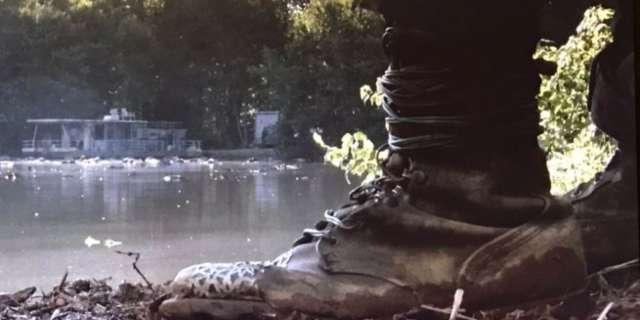 the-walking-dead-boots
